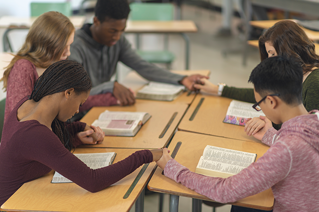 Should Bible Be Offered As a Course In Public Schools?